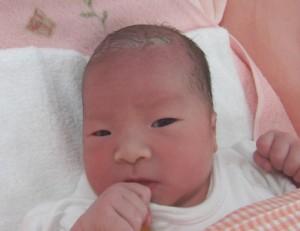 2016年7月10日生まれ 葵依ちゃん